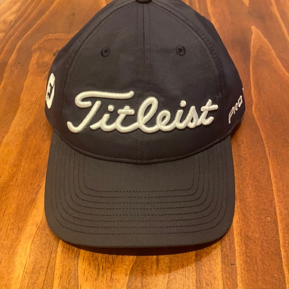 Titleist Hat - Navy Blue - ONLY WORN ONCE